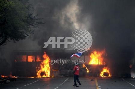 ภาพการประท้วงของกลุ่มเสื้อแดงในช่วงสงกรานต์, ที่มา - GettyImages